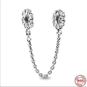 925S safety chain charm